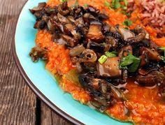 Indisk quinoa- og linsedal med stekt portobello