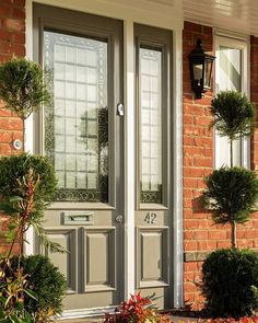 The residents at Meadows Reach in Binfield, Bracknell, will always enter in style with this gorgeous front door!