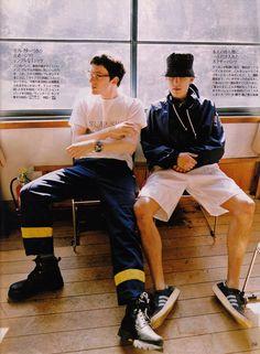 Graham Coxon and Damon Albarn in Men's Non-No (1997)