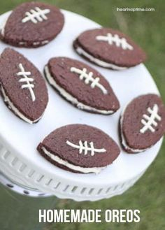 Homemade football oreos on iheartnaptime.net ...perfect for game day!