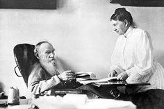 Οι υπομονετικές σύζυγοι διάσημων άτακτων συγγραφέων: Νοστογιέφσκι, Τολστόι και άλλες [εικόνες] | iefimerida.gr