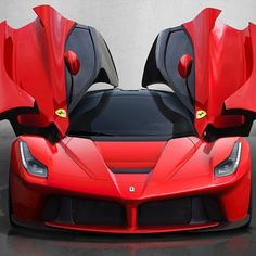 The sexiest Ferrari ever! do you agree?- La Ferrari