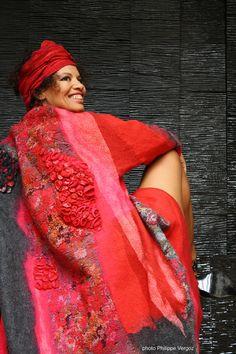 Françoise Christien   Artiste textile feutrière   Manteau rouge