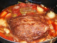 Rôti de boeuf braisé à ma façon Pot Roast, Virginia, Pork, Meat, Ethnic Recipes, Polenta, Fans, Bean Burritos, Pizza Recipes