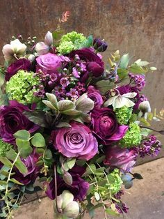 Purple Flower Arrangements, Flower Centerpieces, Purple Flowers, Unusual Flowers, Beautiful Flowers, Mermaid Art, Flower Power, Greenery, Wedding Flowers