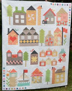 Last Spring at Market, Moda shared a new Be My Neighbor quilt  during their School House and announced that it would be a  free Quilt Along...
