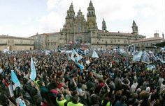 Unha das históricas manifestacións de Nunca Máis en Santiago de Compostela