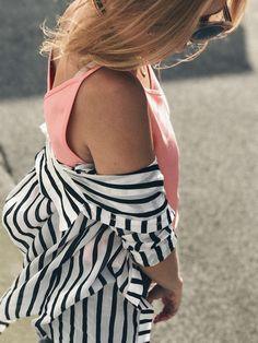 Slow Fashion Look mit Fair Fashion Label Jan n June, Lanius, Vintage Tasche,Acne Boots, Dickmoby Sonnenbrille.