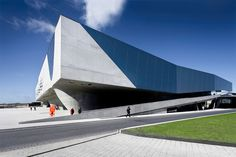 Phaeno Science Centre / Zaha Hadid Architects
