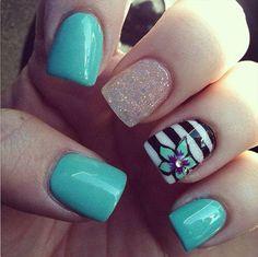 Tiffany blue nails