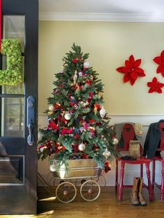 Christmas Entryway DecoratingIdeas - Christmas Decorating -