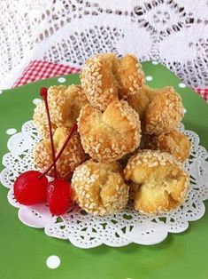 """Onde-Onde Ketawa - This yummy snack is called """"onde-onde ketawa"""" ( Ketawa means laughing in Indonesian) because the shape of this sweet snack is similar to a wide smile. Indonesian Cuisine, Asian Recipes, Ethnic Recipes, Traditional Cakes, Yummy Snacks, Cookie Recipes, Food And Drink, Dishes, Baking"""