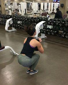 """Mi piace"": 13 mila, commenti: 1,671 - Sarah Bowmar, MBA, CPT (@sarah_bowmar) su Instagram: ""Goblet squat superset 💪🏼💪🏼 - Routine: together, shoulder width, wide stance, shoulder width,…"""
