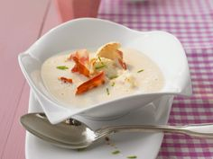 I'm checking out a delicious recipe for Cream of Cauliflower Soup from Kroger! Cream Of Cauliflower Soup Recipe, Jerusalem Artichoke Soup, Food Trends, Eat Smarter, Kitchen Recipes, Tasty Dishes, Soups And Stews, Food And Drink, Healthy Recipes