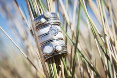 iXXXi Jewelry ist ein hochwertig, trendiges Wechselring-Schmucksystem aus Edelstahl. Es besteht aus einem Basisring mit Zierringen, Armbändern, Fussketten, Halsketten, Ohrringen und Sonnenbrillen, die in vielen Farben zusammengesetzt und kombiniert werden können. Da es eine Männer und eine Frauen-Kollektion gibt, ist es ein perfektes Geschenk, das jederzeit durch einen Zierring erweitert und verändert werden kann. Rings, Shopping, Accessories, Beauty, Fashion, Sunglasses, Stainless Steel, Gift, Armband