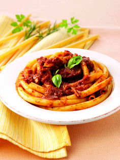 This Ragu style dish is made with the long and lean #ZitiPasta, making it the perfect mid-week meal! #Ziti is the ever-popular tube shaped pasta that gets its name from the word 'zita' meaning bride, as in Naples, Ziti is the classic pasta dish served at weddings! Make sure you add Cirio's Passata Rustica for a #TrueItalian taste! #CirioUK #PastaRecipes #Italian #ItalianRecipes #ItalianFood