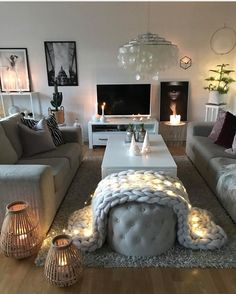 "450 Likes, 5 Comments - Vibeke J Dyremyhr (@interior_delux) on Instagram: ""Beautiful ✨ @homeby_veronica #livingroom #fairylights #stue #interior_delux"""