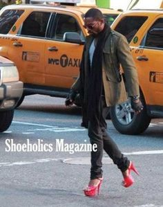 Men in Heels....so loving the fashion trends now.
