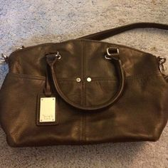 Tignanello Leather Hobo bag w/Shoulder Strap Perfect condition!! NO trades (Smoke/Pet Free Home) OFFERS WELCOMED Tignanello Bags Hobos