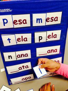 Rhyming Word Palabras que riman by Sandra I Ruiz Bilingual Kindergarten, Bilingual Classroom, Bilingual Education, Phonemic Awareness Activities, Rhyming Activities, Kindergarten Activities, Spanish Language Learning, Teaching Spanish, Spanish Lessons