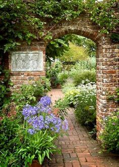 TOP 10 DIY Garden Gates Ideas You are in the right place about Garden Pathway c. Back Gardens, Outdoor Gardens, Castle Gardens, The Secret Garden, Secret Gardens, Gazebos, Gothic Garden, Walled Garden, Terrace Garden