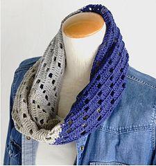 Naname Line Snood - free Japanese crochet Cowl pattern with Universal chart by Pierrot (Gosyo Co., Ltd).