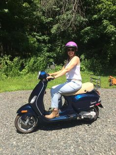 Connie K from Simsbury, CT can't stop smiling ever since she picked up this Certified Pre-owned 2009 Midnight Blue Vespa LX50! She's looking forward to riding this around CT and in Maine! Thanks Connie & enjoy the ride! You look great on that scoot! :) #vespa #vespahartford #scooter #scootercentrale #fun #summer #smile