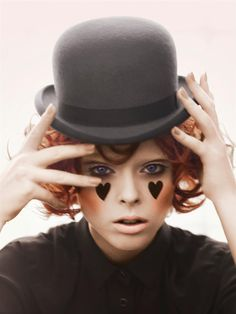 coco rocha -Gorgeous simple gothic make-up