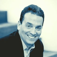 The official site of New York Times and Wall Street Journal bestselling author Dan Pink. His books include Drive, A Whole New Mind, Johnny Bunko and Free Agent Nation. Sales Coaching, Servant Leadership, Book Festival, Thing 1, Working People, Free Agent, Human Resources, Professional Development, Bestselling Author