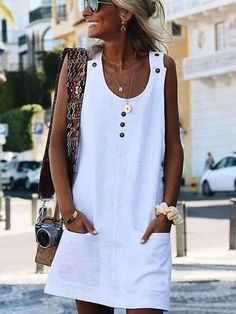 30 Perfect Vacation Outfits for Every Destination : summer outfit inspiration / white dress and bag Cute Summer Outfits, Simple Outfits, Cool Outfits, Summer Dresses, Casual Summer, Men Summer, Outfit Summer, Mini Dresses, Casual Dresses