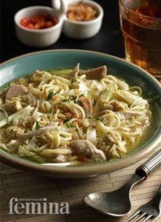 Femina.co.id: MI GODOG #resep Food N, Good Food, Food And Drink, Mie Noodles, Indonesian Cuisine, Indonesian Recipes, Asian Recipes, Ethnic Recipes, Yummy Recipes