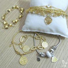 💖 Pulseiras folheadas com garantia. www.cassie.com.br  #Cassie #semijoias #pulseiras #acessórios #moda #fashion #look #folheado #joiasfolheadas #brancadeneve #berloques