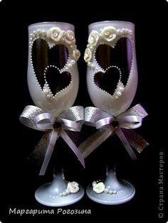 Декор предметов Свадьба Лепка Роспись Бокалы с сердечками Бусинки Краска Пластика