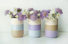 Lensemble coloré de 3 vases en bois sont une manière unique de donner nimporte quel salon ou espace de travail une sensation fraîche et moderne.