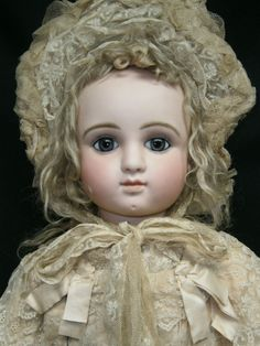 STUNNING ANTIQUE FRENCH BISQUE BEBE STEINER SERIES 7C BLUE EYED ORIGINAL CLOTHES