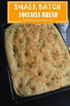 Simple and easy Garlic and Herbs Foccacia Bread. This produces a thick, soft and flavorful bread. Easy Focaccia Bread Recipe, Quick Bread Recipes, Bread Machine Recipes, Cooking Recipes, Scd Recipes, Recipies, Bread Baking, Quick Easy Meals, Italian Recipes