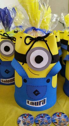 Bolsa de regalo Minions, Character, Purse, Alps, Nativity Scenes, Gift, The Minions, Minion Stuff, Minion