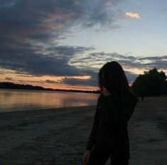 ♔➸Let's go find a place to get lost➸♔ Aesthetic Photo, Aesthetic Pictures, Tumblr Photography, Photography Poses, Girly Pictures, Beautiful Pictures, Tumbrl Girls, Profile Pictures Instagram, Fake Girls
