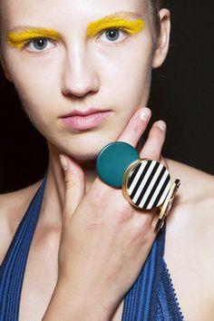 Style Watch手もとをデコラティブに彩る最新アクセ