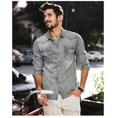 Western Denim Shirt Stylish Mens Outfits, Casual Outfits, Men Casual, Denim Shirt Men, Travel Clothes Women, Mens Fashion, Fashion Trends, Fashion Ideas, Casual Shirts