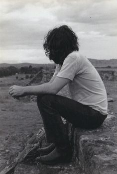 Jim Morrison at the Pyramid of the Moon in Mexico, 1969 #jimmorrison #jimmorrisonbeard #thedoors