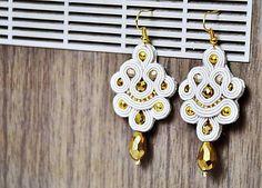 Cukorpalantak   Makado - zlaté soutache náušnice 4834c81a861