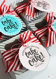 Fun gift idea for teacher appreciation: package up mini Bundt cakes with fun printable tags. Free printables included!