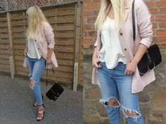 Alice Liddell, Strappy Sandals, Ripped Jeans, Pastels, Casual Chic, Street, People, Fashion, Tattered Jeans