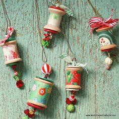 DIY Holiday Spool Necklaces- use empty cotton reels, and make them christmas tree decorations? Handmade Christmas Tree, Christmas Ornaments To Make, Christmas Jewelry, Christmas Projects, Christmas Tree Decorations, Holiday Crafts, Christmas Crafts, Ornaments Ideas, Diy Christmas Necklace