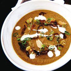 Rezept von Madalene Bonvini-Hamel: Roasted Aubergine Soup with Dry-Roasted Almonds / Valentinas Kochbuch