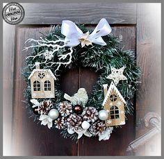 Christmas Door, Outdoor Christmas, Christmas Time, Christmas Wreaths, Xmas, Christmas Centerpieces, Christmas Decorations, Pine Cone Decorations, Holiday Crafts