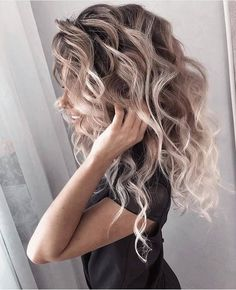 Love these curls! & her hair color! Hair Color And Cut, Pretty Hairstyles, Hairstyle Ideas, Big Hairstyles, Female Hairstyles, Great Hair, Hair Day, Hair Looks, Dyed Hair