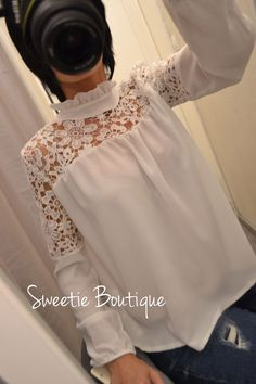Blouse dentelle blanche via Sweetie Boutique. Click on the image to see more!