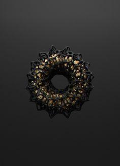 3dsgn:   Black & Gold | Andre Larcev - monolithos